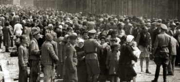 11 Facts about the Holocaust