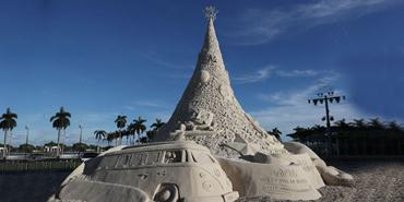 Sand Christmas Tree, Florida, USA